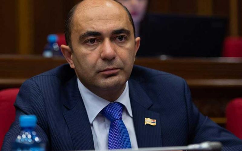 ՀՀ նախագահը տեղի տվեց ճնշումներին, երկրում ոտնատակ է տրված առանց այն էլ հեղինակազրկված դատական իշխանությունը